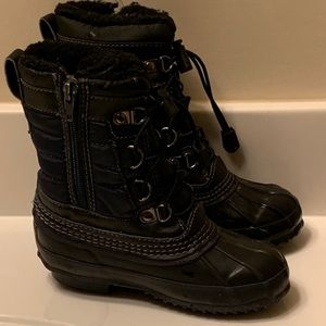 Youth Duck Boots size 11